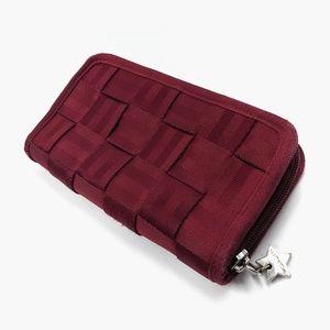 Harvey's Authentic Classic Seatbelt Bag Wallet